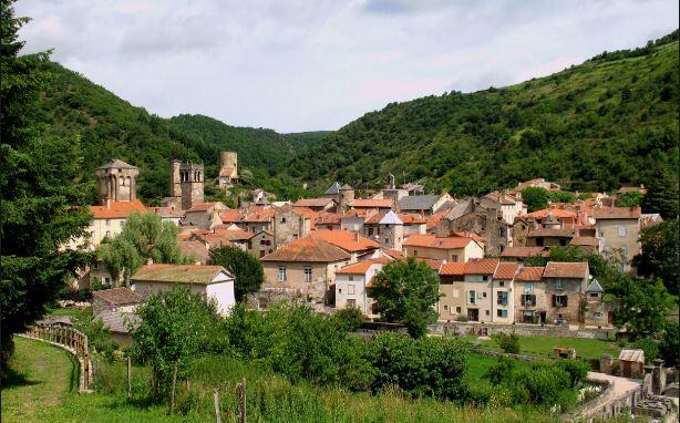 Blesle Les Plus Beaux Villages de France 2016-2017
