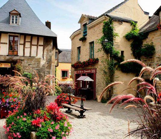 Rochefort-en-Terre, Top 10 des plus beaux villages de France, Ainhoa