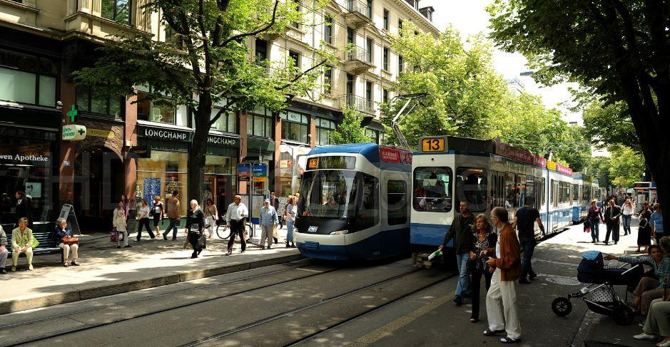 bahnhofstrasse-top-le plus populaire-et-le-meilleur-cher-shopping-rues-dans-le-monde-2018