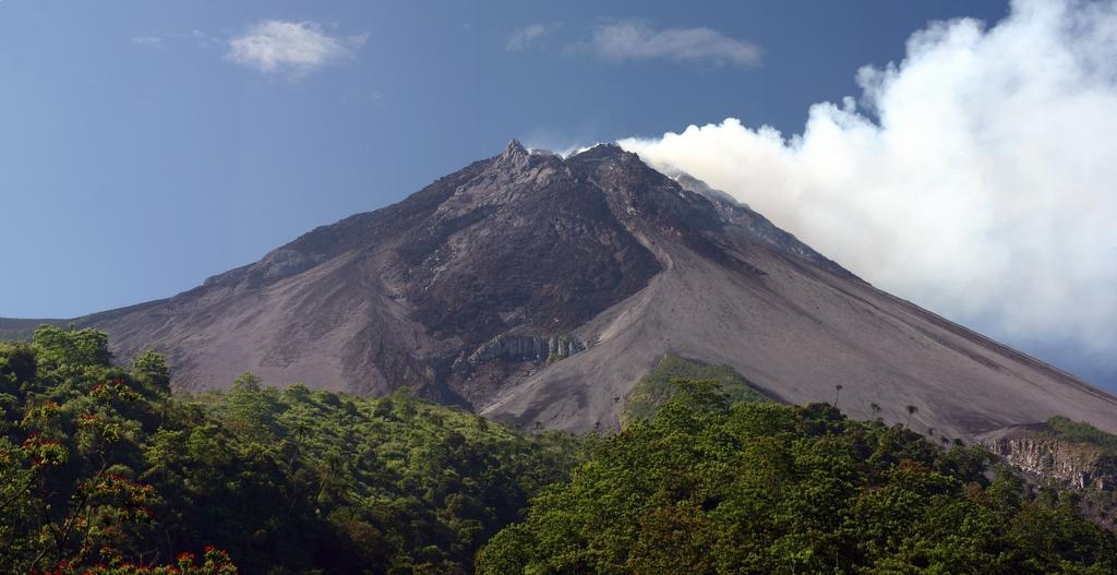 10 volcans les plus actifs au monde: le mont Merapi