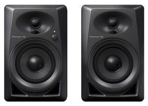 Les moniteurs de bureau Pioneer DJ DM-40 PAIR apportent une excellente qualité audio