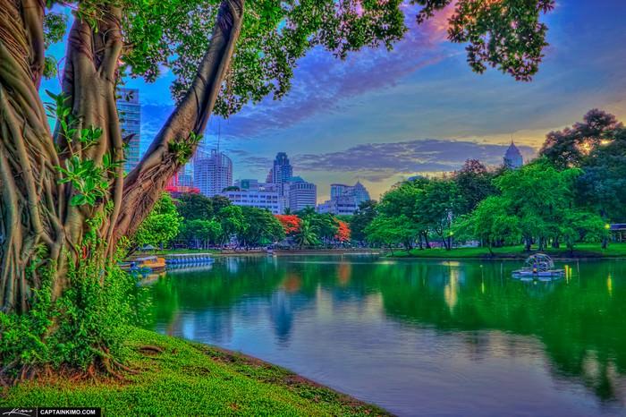 Le Lumpini Park Bangkok Thaïlande au lac avant le lever du soleil (img; captainkimo)