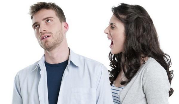 Les femmes parlent trop